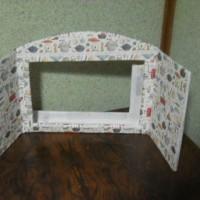 紙芝居の箱。