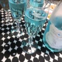 ブルーのスパークリングで二次会