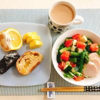 鶏ハムとアスパラのサラダの朝ごはん