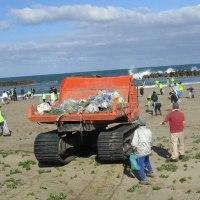 海岸清掃で「チームNTT」 への参加・協力   石川県支部