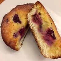 パン屋のスイーツ「木苺とチョコ」