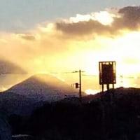 夕暮れ時と富士山