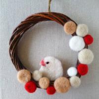 羊毛フェルトの文鳥のクリスマスリース