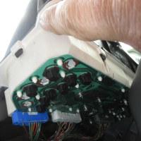 スズキkeiのメーター内ギヤポジションインジケーター電球交換