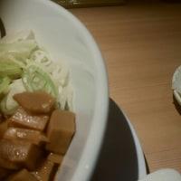 新地で台湾まぜそばなら、「麺やマルショウ」。