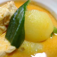 簡単激ウマ・マッサンカレー~タイ風鶏肉とジャガイモのカレー~