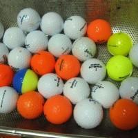 ゴルフボールを洗濯 明日に備え