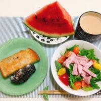 ハムと水菜のカラフルサラダで朝ごはん