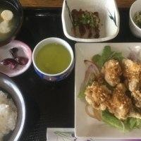 2月17日の 日替り定食550円は、鶏唐揚げのネギソース(油淋鶏)です。