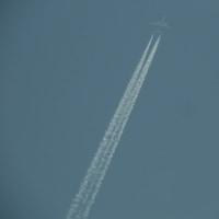 夕方の飛行機雲とか