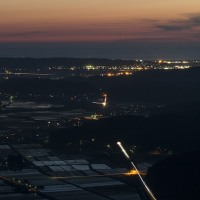 東由利方向の天の川と本荘の夜景(虚空蔵山)