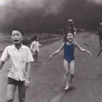 児童ポルノとは何か?Facebookが「ナパーム弾の少女」写真を検閲削除も非難され撤回
