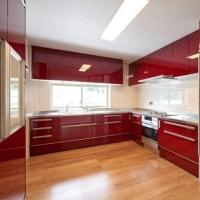赤いキッチンの家完成写真