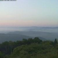霧は殆ど無く、霞んだ夜明け