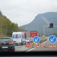 2016秋の欧州ドライブ  道路工事で反対車線に移る。