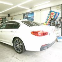 BMWの新型「530i Mスポーツ」は納車前のコーティング施工を開始!