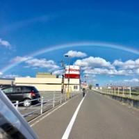 強風の合間に虹