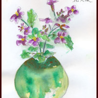 母が遺したいびつな花瓶に花大根