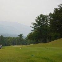 雨の中のゴルフ