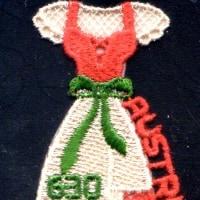 オーストリアの刺繍切手 民族衣装・デイアンドル