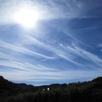 今日の9時の雲、すばらしい~芸術雲!