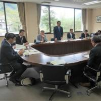 佐賀市議会にて小学校跡地利用の視察しました。