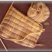ちょっと時間ができてきたので、編み物再開!編み物倶楽部。