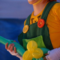 風船づくりで子供と仲良く・・・