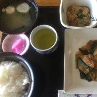 3月17日の日替り定食550円は 豚バラ肉の甘辛炒め です。