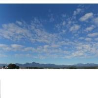 快晴の一日、周囲の山がきれいに見えました。