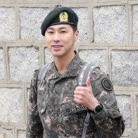 韓国、兵役は東方神起も