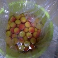 梅干し作り…紫蘇入れ