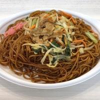 肉と野菜の旨み広がる麺たっぷりソース焼そばを頂きました。 at セブンイレブン 横浜クロスゲート店