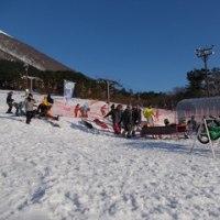 スキー場でマウンテンバイク