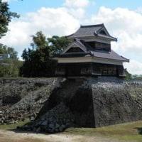哀れな姿をさらす熊本城、熊本地震から半年がすぎた。