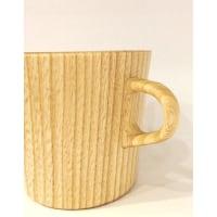 軽くてとても使いやすい木のマグカップ