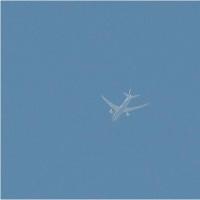 2017年4月30日,上空を飛ぶ 飛行機