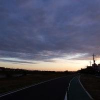 10月24日(月)朝の散策-雲多し