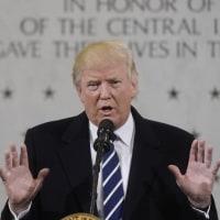 トランプ大統領、就任開け初日、CIA本部を訪問。