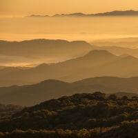 鳥海山のある風景(早朝の祓川)