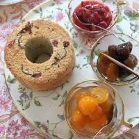 桜シフォンとフルーツソース