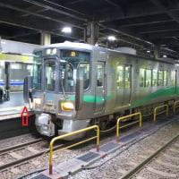 旅で出会った鉄道(29)・JR西日本521系