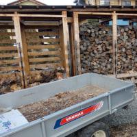薪の運び込み