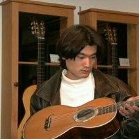 リュート、ギター製作家の奥清秀さん