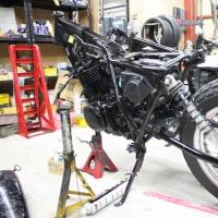 製作途中のバイクです♪