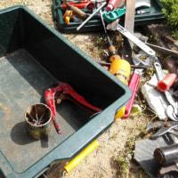 水道の配管工事を、水が噴き上がる!ヤバ