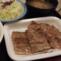 すき家 京成大久保 豚バラ定食ラージ と プレミアム牛丼なり