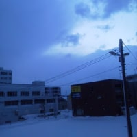 2017/2/24 午前7時過ぎ札幌の空模様  今日は雪!:(;゙゚'ω゚'):サムィー