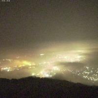 深夜の霧が、今朝は消えた