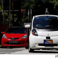 自動運転タクシー